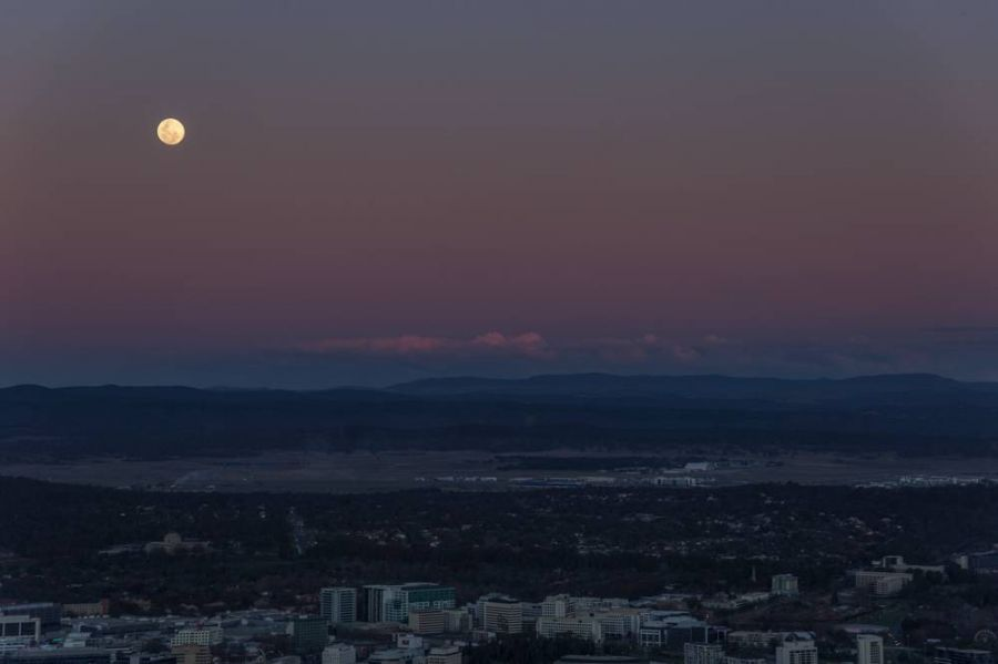 Canberra Moonrise